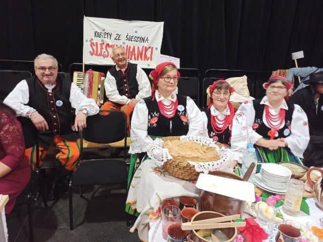 """III miejsce """"Śleszynianek"""" w konkursie kulinarnym na V Regionalnym Turnieju Kół Gospodyń Wiejskich w Tomaszowie Mazowieckim"""